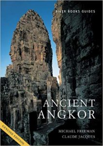 Libro Ancient Angkor